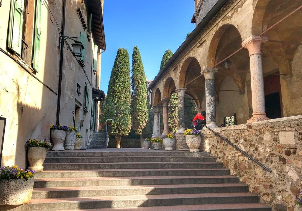 Sirmione Pfarrkirche Santa Maria Maggiore Italien Gardasee