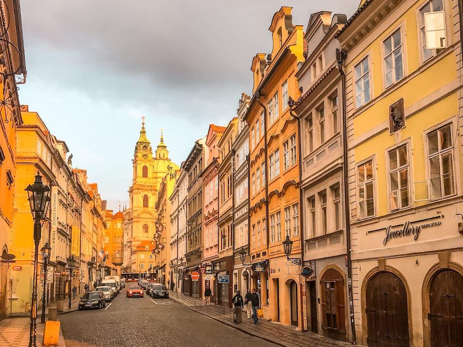Prag Reisetipps Sehenswürdigkeiten Prag goldene Stadt leer