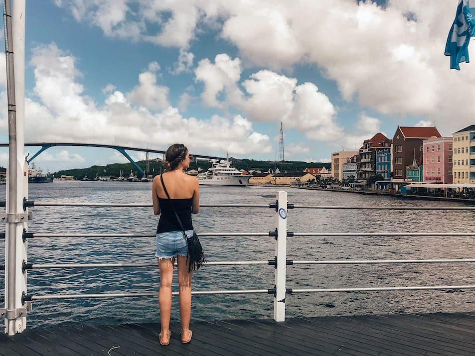 Willemstad Reisetipps Reisebericht Sehenswürdigkeiten Empfehlungen Auf eigene Faust Curaçao Königin-Juliana-Brücke